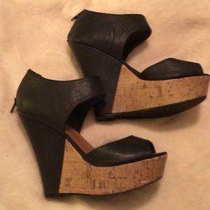 Madden girl platform leather shoes size 8